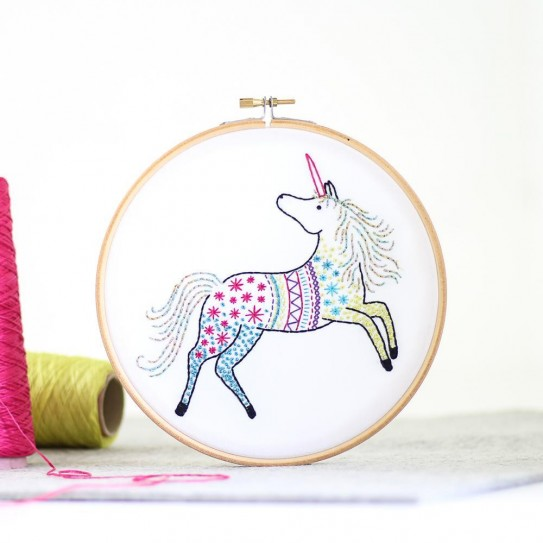 UNICORN - HAWTHORN EMBROIDERY KIT